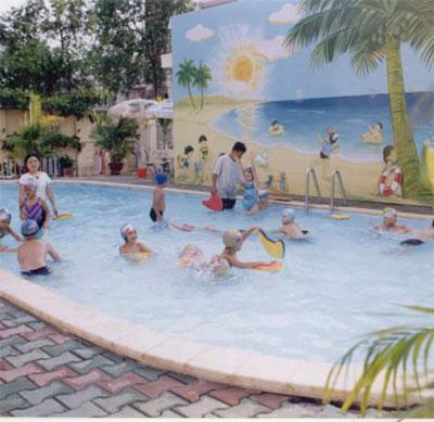 bể bơi trường mầm non rạng đông 2