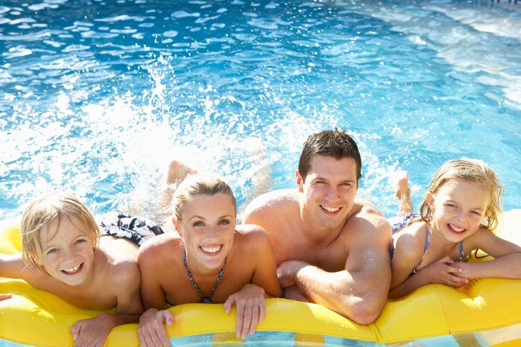 Tận hưởng lợi ích tuyệt vời từ việc sở hữu bể bơi gia đình