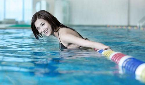 Lấy lại vóc dáng nhờ bơi lội